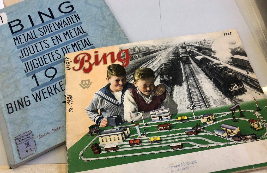 Zeitgenössische Bing-Händlerkataloge (1925 & 1929). Foto: Nicolas Fleckenstein